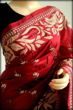 Red Bangalore silk kantha saree Kantha Work Sarees, Phulkari Saree, Silk Sarees, Indian Dresses, Indian Outfits, Saree Dress, Sari, Embroidery Saree, Hand Embroidery