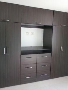 New closet de madera colores Ideas Wardrobe Door Designs, Wardrobe Design Bedroom, Tv In Bedroom, Bedroom Furniture Design, Wardrobe Closet, Closet Designs, Closet Bedroom, Closet Space, Bedroom Storage