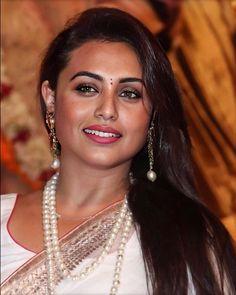 So beautiful woman🧿 Most Beautiful Bollywood Actress, Bollywood Actress Hot Photos, Indian Bollywood Actress, Hindi Actress, Bollywood Fashion, Indian Long Hair Braid, Braids For Long Hair, Indian Actress Hot Pics, Indian Actresses