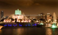 The place we were engaged! Buckingham Fountain, Chicago Photos, Nyc, Black And White, City, Building, Places, Rocks, Travel