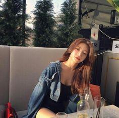 💋 ➷ulzzang ღ girls➶ Ulzzang Korean Girl, Cute Korean Girl, Girl Fashion, Trendy Fashion, Fashion Outfits, Korean Beauty, Asian Beauty, Asian Woman, Asian Girl