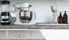 http://lovelylife.se/blogs/gingerbreadhouse/my-concrete-kitchen