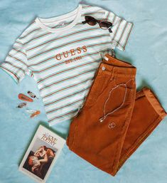 Guess Striped Cropped T-Shirt Cute Casual Outfits, Retro Outfits, Stylish Outfits, Fall Outfits, Vintage Outfits, Summer Outfits, Fashion Outfits, Jeans Fashion, Aesthetic Fashion