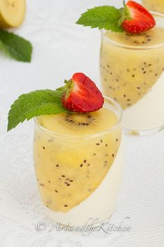 SunGold Kiwi Panna Cotta is creamy and zesty in one delicious spoonful. Perfect Panna Cotta with a delicious golden kiwi coulis. No Bake Desserts, Just Desserts, Delicious Desserts, Dessert Recipes, Yummy Food, Dessert Ideas, Salad Recipes, Mousse, Sungold Kiwi