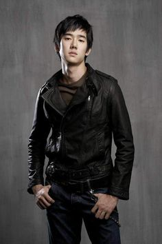 Yoo Yeon Seok (유연석) on @dramafever, My favorite guy!