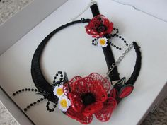 A gorgeous quilled headband with a matching bracelet - by: Quilling Jewelry  FB