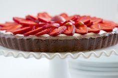 Strawberry Brownie Tart | GI 365
