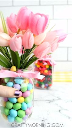 Mason Jar Easter Centerpieces- easy easter table centerpiece craft DIY project to make! Use jelly beans or m&ms to fill them and a cardboard tube. So cute and easy to make! crafts with candy Mason Jar Easter Centerpieces Easter Projects, Easter Crafts For Kids, Easter For Babies, Easter Ideas For Kids, Bunny Crafts, Kids Fun, Spring Crafts, Holiday Crafts, Halloween Crafts