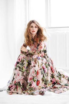 Gorgeous floral maxi dress on Olivia Palermo