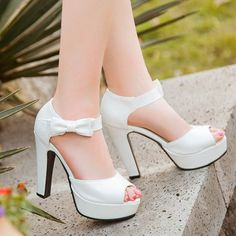 Peep Toe Bowknot Chunky Heel Sandals - Black 38 cheap newest enjoy online outlet cheap online buy cheap outlet store 5dyWFtxw