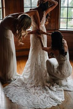 39 Getting-Ready Wedding Photos Every Bride Should Have