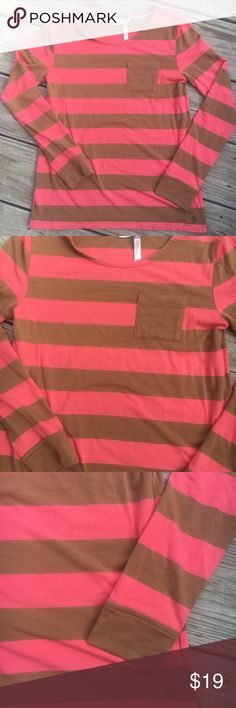 Matilda Jane 435 striped top, girls sz. 10 Excellent condition!! Pink and light brown stripes with front pocket. Girls size 10. Super soft!! Matilda Jane Shirts & Tops Tees - Long Sleeve