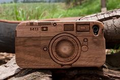 wooden i-phone case.