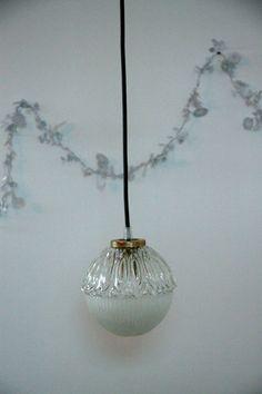 Petit luminaire en verre ancien type holophane - Petite suspension luminaire ...