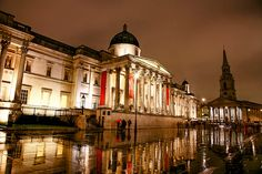 The National Gallery and Trafalgar Square on a rainy day in #London http://www.nyhabitat.com/blog/2012/09/20/visit-london-rainy-day/