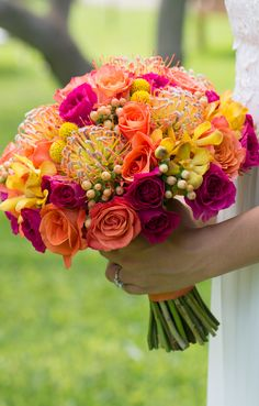 Hawaii Destination Wedding : Tropical Wedding Bouquet