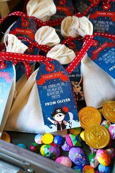 Das ist eine sehr schöne Idee für Gastgeschenke für unseren nächsten Kindergeburtstag  Vielen Dank dafür  Dein blog.balloonas.com    #kindergeburtstag #motto #mottoparty #kids #birthday #party #arielle #meerjungfrau #pirat #unterwasser #see #meer #seemann #seeräuber #muscheln #favor #gastgeschenk #give-away #mitgebsel