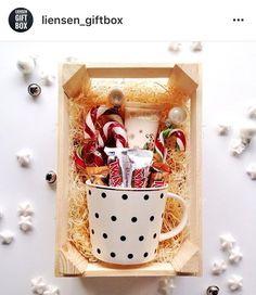 # gifts # new year - Weihnachten Diy Gift Baskets, Christmas Gift Baskets, Christmas Gifts For Friends, Christmas Gift Box, Gift Hampers, Cute Gifts, Holiday Gifts, Christmas Crafts, Christmas Decorations