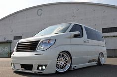 Nissan Elgrand E51 Tuning (4) Nissan Vans, Nissan Elgrand, Vw Transporter Van, Custom Vans, Campervan, Jdm, Toyota, Automobile, Minivan