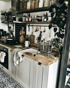 - A mix of mid-century modern, bohemian, and industrial interior style. Home and apartment decor. Home Decor Kitchen, Rustic Kitchen, Home Decor Bedroom, Kitchen Interior, New Kitchen, Home Kitchens, Diy Home Decor, Design Bedroom, Room Kitchen