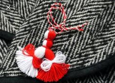 Martenitsa – Welcoming of spring - travel potpourri Easy Crafts To Make, Valentine's Day Crafts For Kids, Diy And Crafts, Arts And Crafts, Baba Marta, Yarn Dolls, Folk Embroidery, 8th Of March, Valentine Day Crafts
