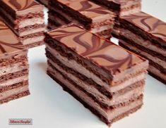 Bibimoni Receptjei: Csokoládés mézes szelet Hungarian Desserts, Hungarian Cake, Hungarian Recipes, Cold Desserts, Delicious Desserts, Cake Cookies, Cupcake Cakes, Cookie Recipes, Dessert Recipes