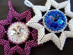 Bright White and Sky Blue Rivoli Beaded Pendant by tattooedraven in Etsy´s