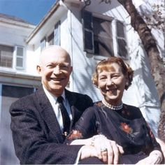 Today in History– The Death of Dwight D. Eisenhower On January 1961 Eisenhower retired to his small farm adjacent to the battlefield outside Gettysburg, Pennsylvania. Gettysburg Pennsylvania, Walter Reed, Dwight Eisenhower, Presidential Libraries, Today In History, History Timeline, January 20, Famous Couples, National Archives
