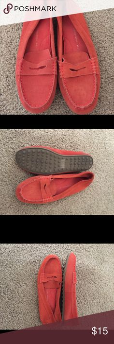 Orange suede flats Super cute comfortable loafer type flats! Orange suede soft lightly worn! Gap brand great w/ jeans , pants and even shorts !!! ❤️😄 Gap Shoes Flats & Loafers