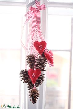 Felt Christmas, Winter Christmas, Christmas Crafts, Holiday, Christmas Decorations For Kids, Christmas Inspiration, Be My Valentine, Diy Crafts To Sell, Plant Hanger