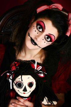 Grim Baby Doll inspired fantasy make-up accented with clear gems. Grim Baby Doll inspirierte Fantasy-Make-up mit klaren Edelsteinen. Costume Halloween, Doll Costume, Costume Makeup, Holidays Halloween, Halloween Make Up, Sfx Makeup, Skull Makeup, Vintage Halloween, Ideas Maquillaje Carnaval