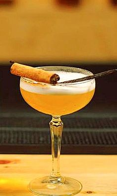FRENCH MARTINI  Recipe: - 2cl Vodka - 2cl Chamboard - 4cl Pineapple Juice  Glass: Chilled cocktail / Martini Ice: None Method: Shake & Fine Strain
