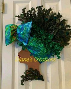 Diy Crafts For Home Decor, Cute Crafts, Fabric Wreath, Diy Wreath, Christmas Reef, Deco Mesh Wreaths, Head Wreaths, African Christmas, Black Art Painting