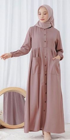 Muslim Girls, Muslim Women, Modest Dresses, Modest Outfits, Muslim Fashion, Modest Fashion, Frock Fashion, Fashion Outfits, Modele Hijab