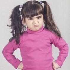 El mal humor es señal de alto cociente intelectual. Los niños que andan malhumorados puede que sean un quebradero de cabeza para sus padres porque el mal humor es una cualidad difícil de llevar, sin embargo, detrás de todo ese genio, resulta que se esconde... ¡un gran ingenio!