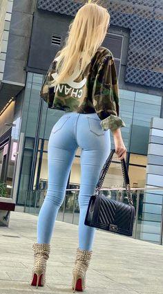 Segunda Piel (Publicaciones etiquetadas como tight jeans) Curvy Girl Outfits, Sexy Outfits, Cute Outfits, Fashion Outfits, Sexy Jeans, Curvy Women Fashion, Girl Fashion, Beste Jeans, Looks Pinterest