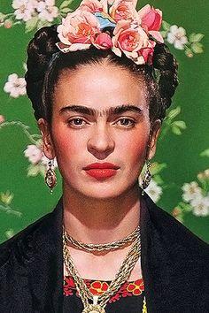 Most inspiring women to remember on International Women's Day: Frida Khalo Frida Kahlo Artwork, Frida Kahlo Portraits, Kahlo Paintings, Frida Art, Conceptual Photography, Portrait Photography, Fridah Kahlo, Colour Pencil Shading, Afrique Art