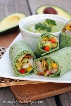 Yummy roll-ups loaded with avocado, shrimp, peppers and pineapple, with a creamy avocado lime dipping sauce.