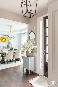 Spring Home Decorating Ideas with a Fresh Color Scheme. How to decorate your home for Spring with a fresh color scheme. Cheap Rustic Decor, Cheap Home Decor, Diy Home Decor, Decoration Crafts, Decorations, Urban Home Decor, Decorating Your Home, Decorating Ideas, Decor Ideas