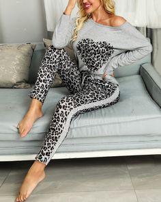 Leopard Outfits, Leopard Pants, Trend Fashion, Fashion Outfits, Sporty Fashion, Mod Fashion, Sporty Chic, Fashion Women, Pink Lila