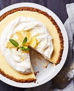 'Fixer Upper' Host Joanna Gaines Shares Her Lemon Pie Recipe - Us Weekly