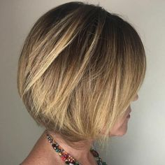 coupe cheveux femme 50 ans carré plongeant reflets blonds  J<aime la couleur