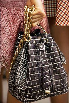 Christian-Dior-Resort-2016-Bags-1