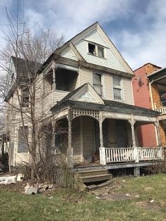 Multiple types of vacant land & acreage available in Ohio. Browse affordable Ohio lots and acreage exclusively on Land Century. Cheap Houses For Sale, Vacant Land, Selling Real Estate, Cleveland Ohio, Land For Sale, Mansions, House Styles, Building, Home