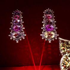 55 - Pendant earrings by JAR Paris, 2008 - Sapphires, diamonds, silver, gold #JAR #JARJewels #JARParis #JoelArthurRosenthal