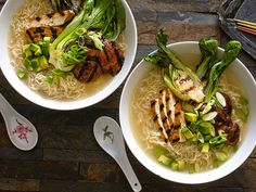 Best Vegetarian/Vegan Ramen Noodles Brands you need to try! Read the list, and try the best!