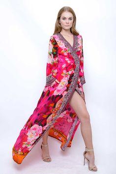 Kyle Richards in Trending Kimono Wrap Dress | Shahida Parides - Shahida Parides Kimono Fashion, Girl Fashion, Bohemian Fashion, Maxi Wrap Dress, Wrap Dresses, Kyle Richards, Best Wraps, French Girl Style, Tropical Dress