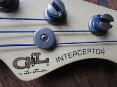 G&L Interceptor fretless bass from 1984 - headstock