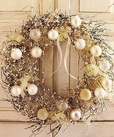 Christmas wreath- I like the idea of monotone colors..