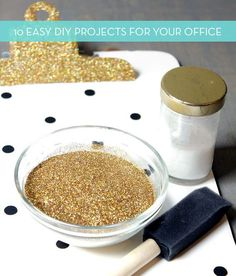 10 Quick DIY Projects To Beautify Your Office I need ampersand thumbtack art and a gold mouse pad in my office. lolI need ampersand thumbtack art and a gold mouse pad in my office. Glitter Projects, Glitter Crafts, Glitter Vases, Glitter Art, Loose Glitter, Glitter Force, Green Glitter, Silver Glitter, Thumbtack Art